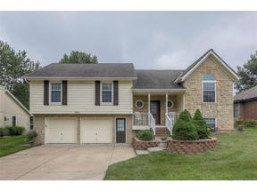 Property for sale at 909 SW Georgetown Drive, Lee'S Summit,  Missouri 64082