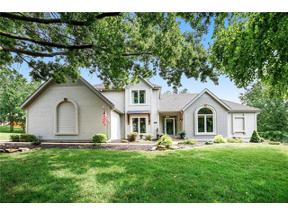 Property for sale at 8021 NW Lakeview Drive, Parkville,  Missouri 64152