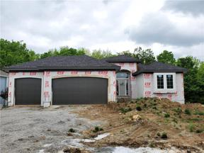 Property for sale at 507 NE Greenview Drive, Blue Springs,  Missouri 64029
