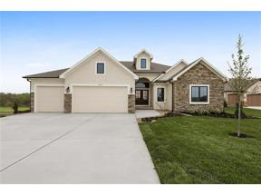 Property for sale at 923 Creekmoor Drive, Raymore,  Missouri 64083