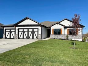Property for sale at 1104 NW Woodbury Drive, Grain Valley,  Missouri 64029