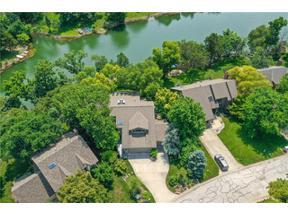 Property for sale at 4113 NE Edgewater Court, Lee'S Summit,  Missouri 64064