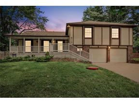 Property for sale at 8117 N Wayland Drive, Weatherby Lake,  Missouri 64152