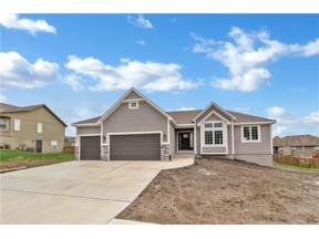 Property for sale at 1202 Ridge Tree Lane, Pleasant Hill,  Missouri 64080