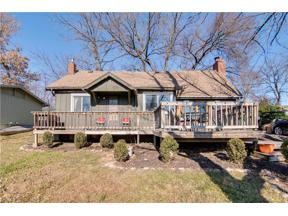 Property for sale at 70 Dockside Drive, Lake Tapawingo,  Missouri 64015