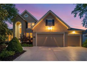 Property for sale at 8119 Park Ridge Drive, Parkville,  Missouri 64152