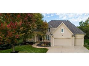 Property for sale at 8113 Park Ridge Drive, Parkville,  Missouri 64152
