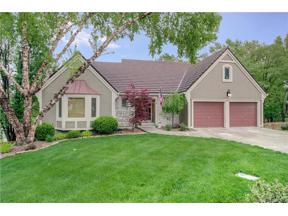 Property for sale at 4123 NE Pembroke Lane, Lee's Summit,  Missouri 64064