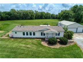 Property for sale at 1619 Prince Circle Court, Oak Grove,  Missouri 64075