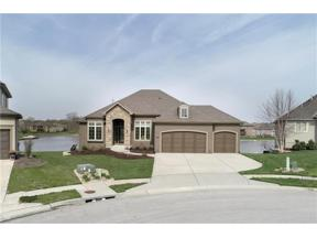 Property for sale at 1302 Lakecrest Circle, Raymore,  Missouri 64083