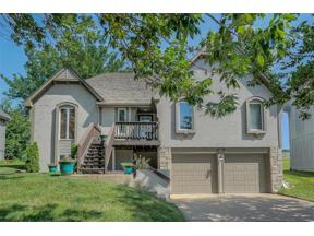 Property for sale at 806 NE La Costa Street, Lee's Summit,  Missouri 64064