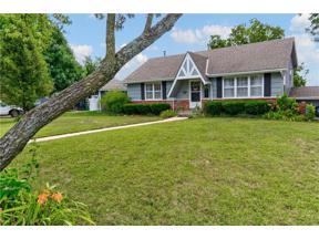 Property for sale at 407 SW Glendana Street, Lee's Summit,  Missouri 64081