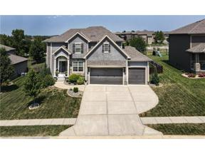 Property for sale at 1104 Foxshire Circle, Raymore,  Missouri 64083