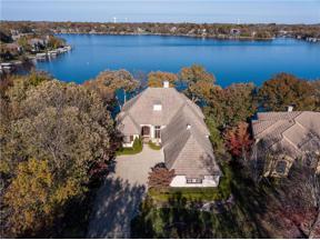 Property for sale at 430 Southshore Drive, Lake Winnebago,  Missouri 64034