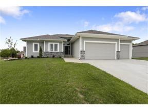 Property for sale at 1805 NE Pallisade Court, Blue Springs,  Missouri 64029