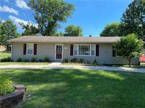 Property for sale at 1404 Lawndale Avenue, Pleasant Hill,  Missouri 64080