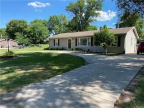 Property for sale at 1404 Lawndale Avenue, Pleasant Hill,  Missouri 64080