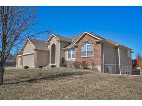 Property for sale at 2107 Country Club Drive, Pleasant Hill,  Missouri 64080