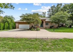 Property for sale at 3415 S Pink Hill Circle, Blue Springs,  Missouri 64015