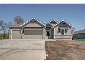 Property for sale at 4 Dakota Circle, Lake Winnebago,  Missouri 64034