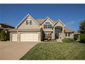 Property for sale at 1708 NE Woodland Shores Court, Lee'S Summit,  Missouri 64086