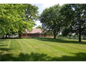 Property for sale at 1010 NW 1st Street, Oak Grove,  Missouri 64075