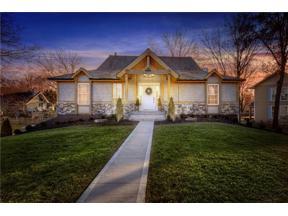 Property for sale at 244 N Winnebago Drive, Lake Winnebago,  Missouri 64034