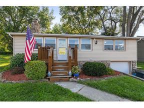 Property for sale at 50 Emerald Shore Drive, Lake Tapawingo,  Missouri 64015