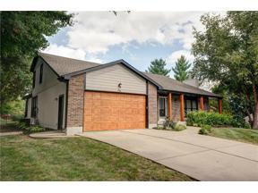 Property for sale at 110 Cherokee Lane, Lake Winnebago,  Missouri 64034