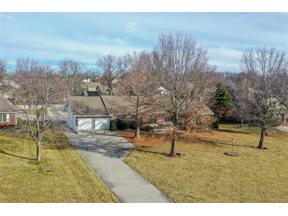 Property for sale at 107 Winnebago Drive, Lake Winnebago,  Missouri 64034