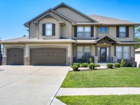Property for sale at 2828 NE Parkview Lane, Lee's Summit,  Missouri 64086