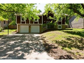Property for sale at 204 SE Bristol Drive, Lee's Summit,  Missouri 64063