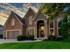 Property for sale at 8121 Park Ridge Drive, Parkville,  Missouri 64152