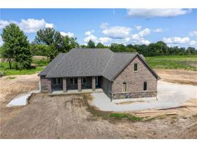 Property for sale at 9 SW 160 Road, Warrensburg,  Missouri 64093