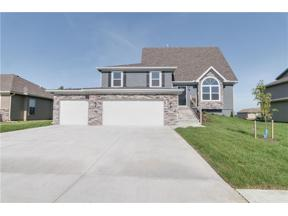 Property for sale at 642 SW Crestview Drive, Grain Valley,  Missouri 64029