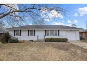 Property for sale at 1211 Crest Drive, Pleasant Hill,  Missouri 64080