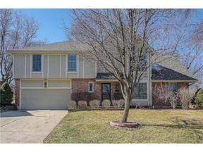 Property for sale at 204 NW Redwood Court, Lee's Summit,  Missouri 64064