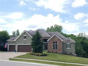 Property for sale at 8110 Forest Park Drive, Parkville,  Missouri 64152