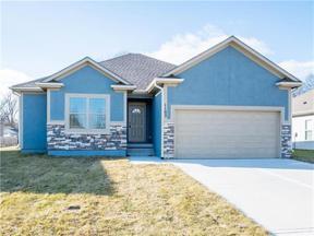 Property for sale at 407 NE Chestnut Court, Oak Grove,  Missouri 64075