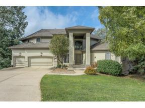Property for sale at 5850 Spinnaker Point, Parkville,  Missouri 64152