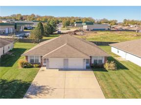 Property for sale at 305 NW Woodbury Drive, Grain Valley,  Missouri 64029
