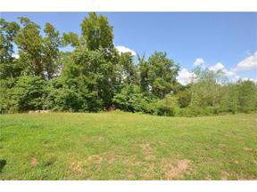 Property for sale at 8230 Westlake Drive, Parkville,  Missouri 64152