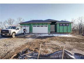 Property for sale at 525 South Shore Drive, Lake Winnebago,  Missouri 64034