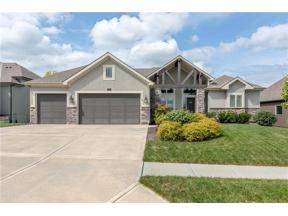 Property for sale at 1010 Bridgeshire Drive, Raymore,  Missouri 64083