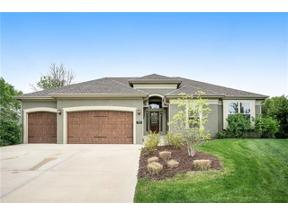 Property for sale at 7917 Sunset Drive, Parkville,  Missouri 64152