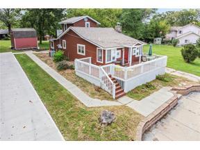 Property for sale at 154 Beach Drive, Lake Tapawingo,  Missouri 64015