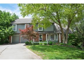 Property for sale at 109 NE Shoreview Court, Lee's Summit,  Missouri 64064