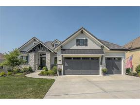 Property for sale at 8295 Shoreline Drive, Parkville,  Missouri 64152