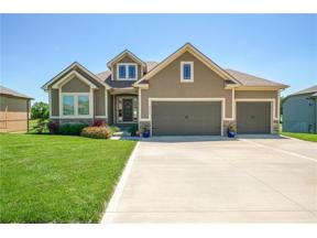 Property for sale at 4320 S Stone Canyon Drive, Blue Springs,  Missouri 64015