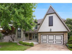 Property for sale at 319 NE Sunderland Court, Lee's Summit,  Missouri 64064